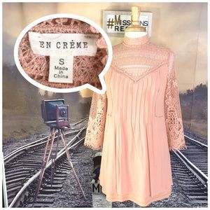 EN CREME PINK/BLUSH CROCHETED RIBBED TUNIC DRESS